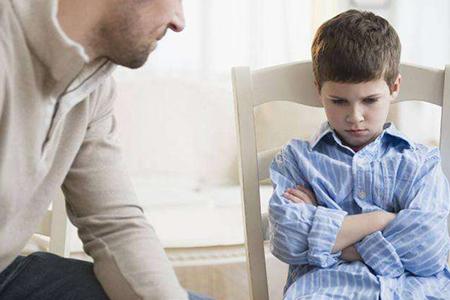 八岁男孩很叛逆不听话该怎么办?